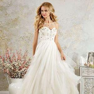 Modern Vintage by Alfred Angelo Wedding Dress